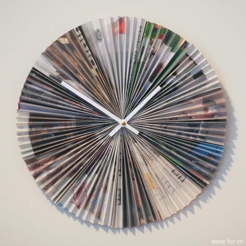 Accordion-style Recycled Magazine Clock