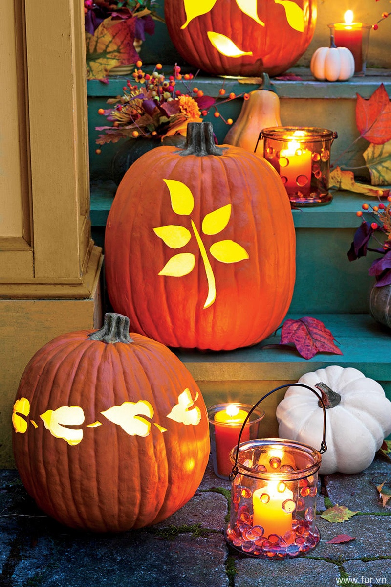 Illuminating Fall Leaf Pumpkin