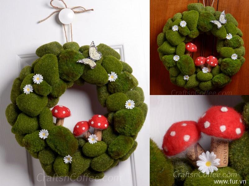 Moss Rock Wreath